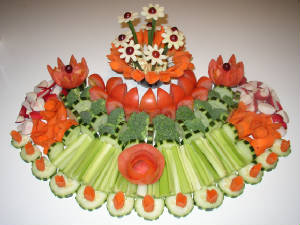 Crudités with carved vegetables